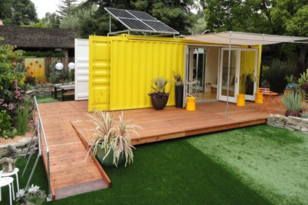 Ways to use a shipping container: Granny Flat