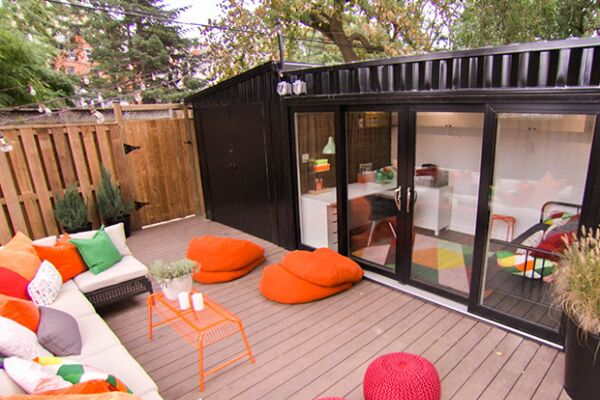 Ways to use a shipping container: Entertaining Space